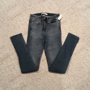 Womens Abercrombie and Fitch skinny jeans
